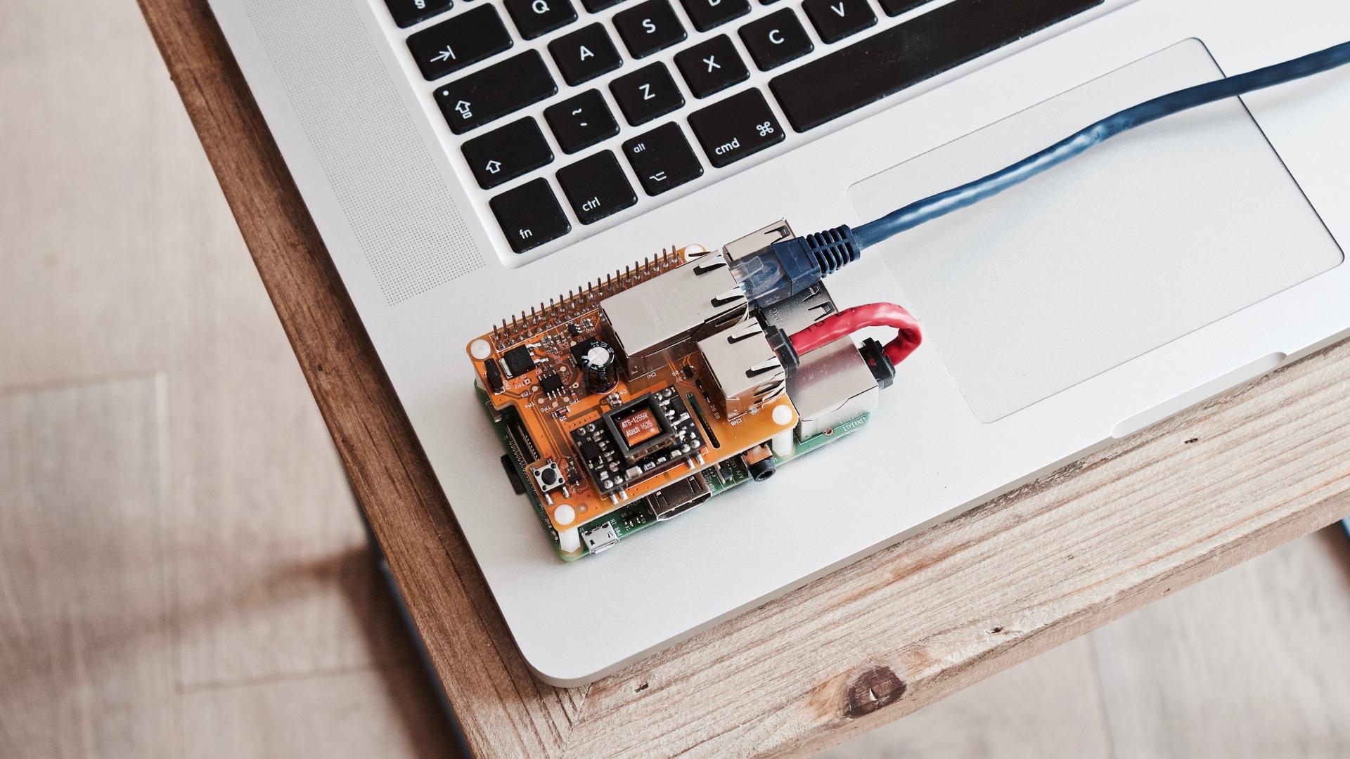 Hackeando o Raspberry Pi